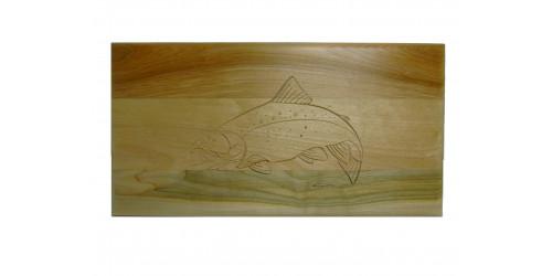 Planche à découper gravée d'une truite en bois d'érable naturel vernis
