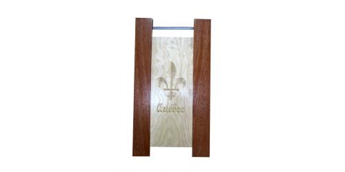 Planche à découper avec tige gravée en bois d'érable et acajou naturel vernis